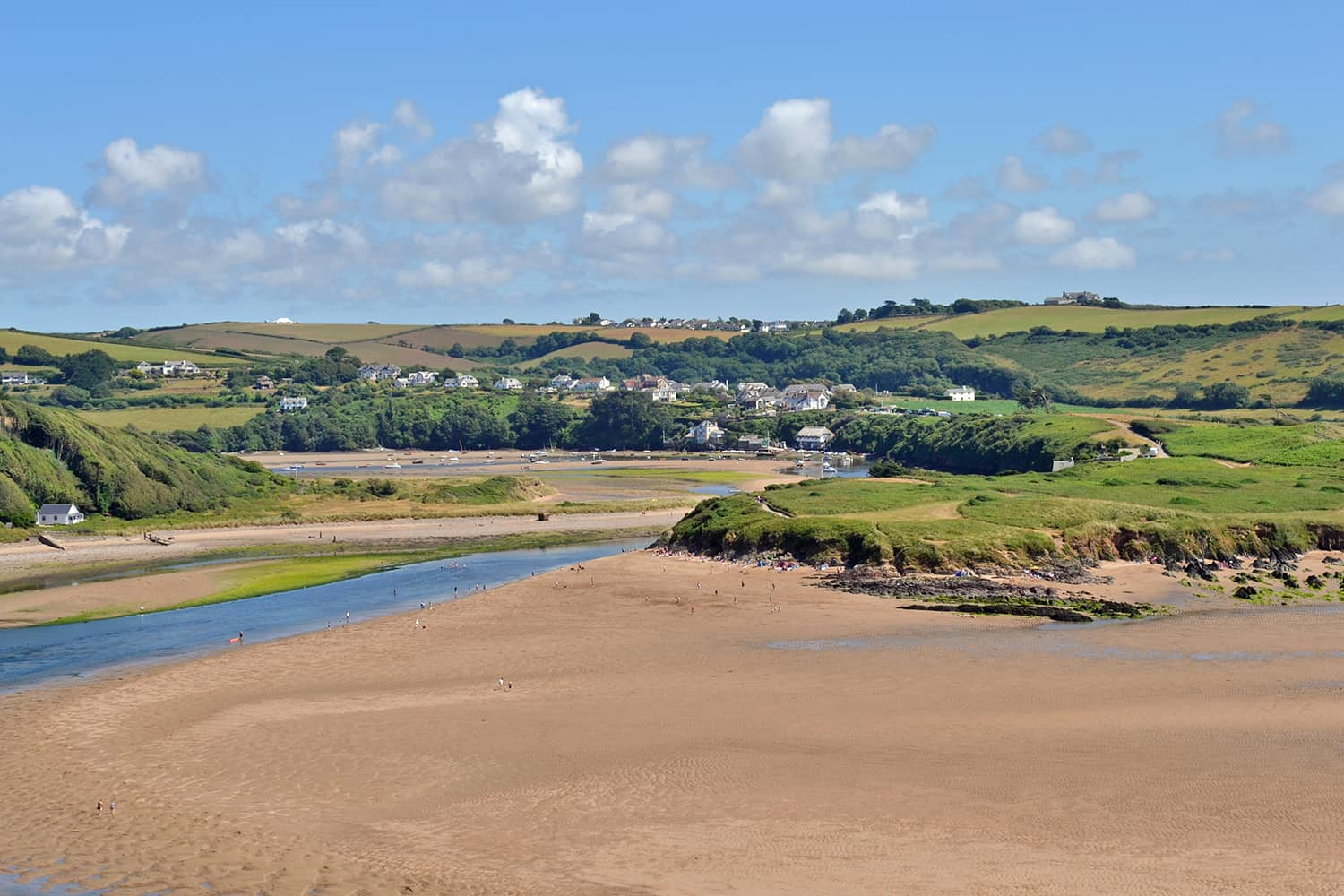 Dog Friendly Holiday Cottages By The Sea Traditional