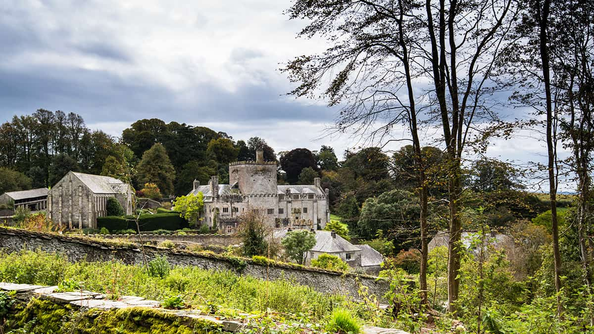 Terrific 10 National Trust Houses To Visit In The West Country Toad Interior Design Ideas Pimpapslepicentreinfo