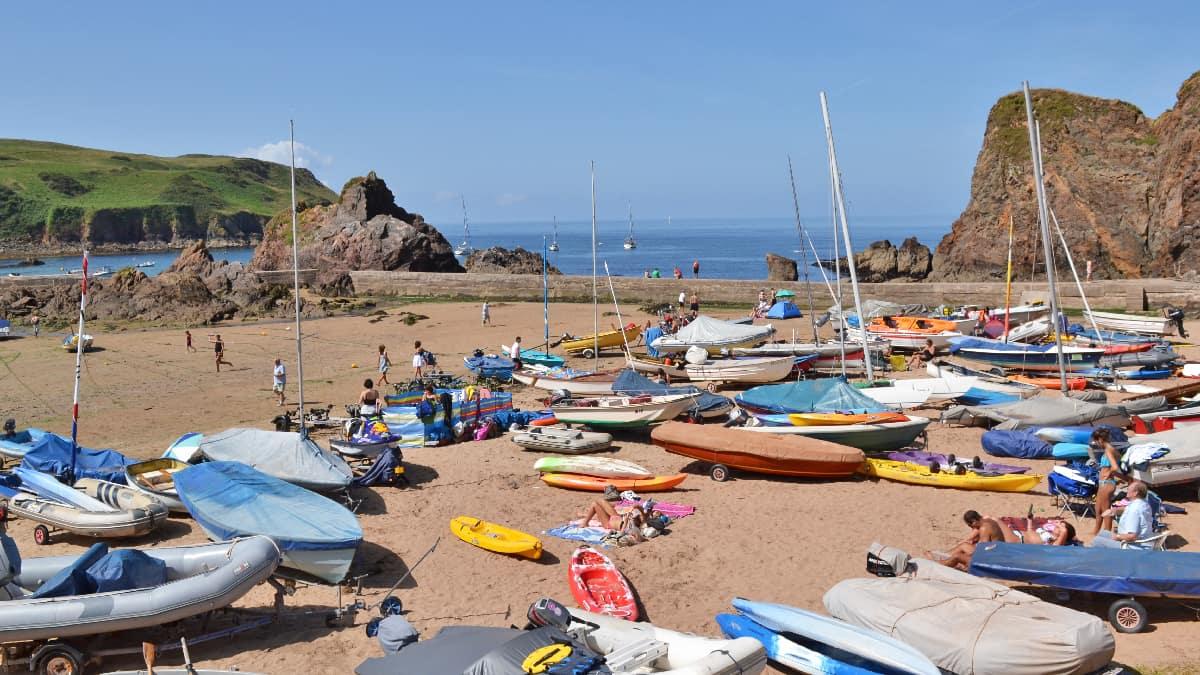 Hope-Cove-boats