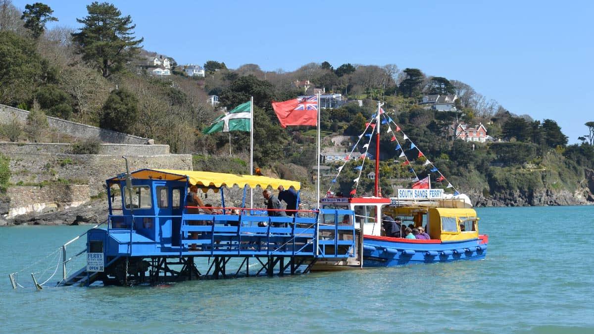 Sea-Tractor-Ferry-Salcombe