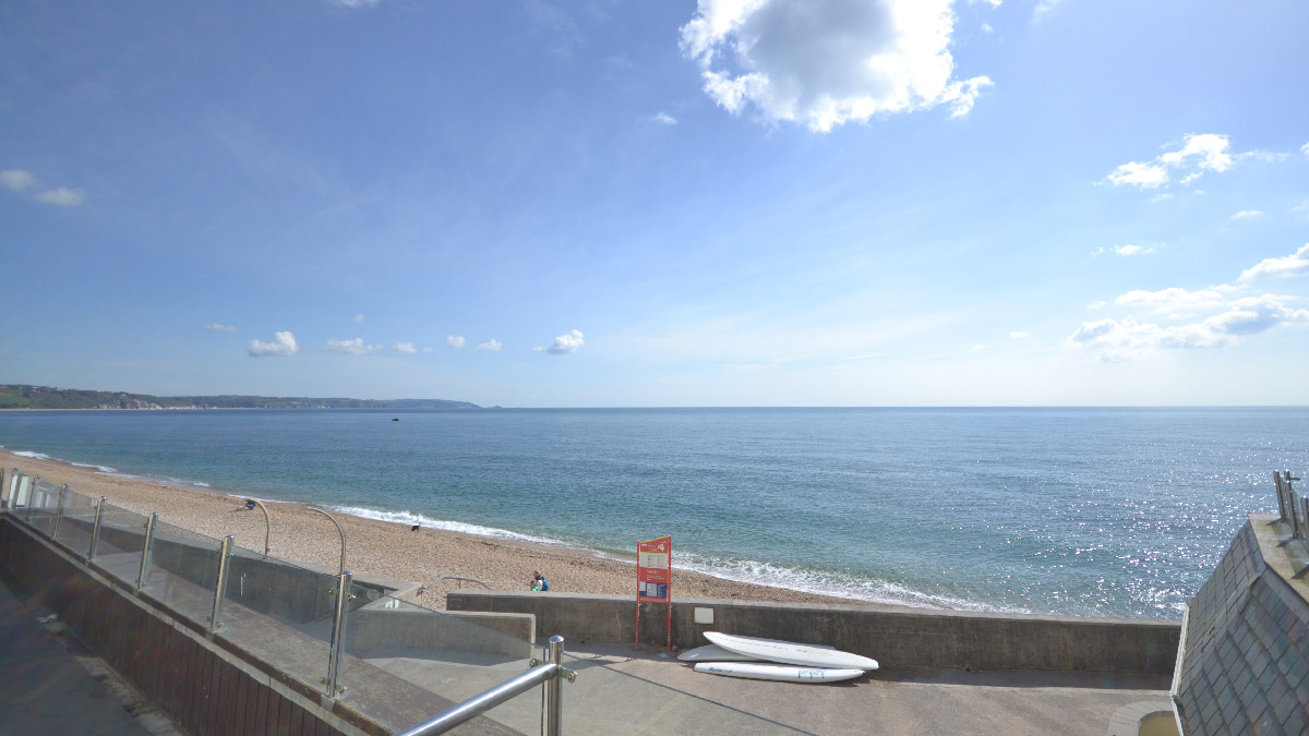 7-at-the-beach-torcross