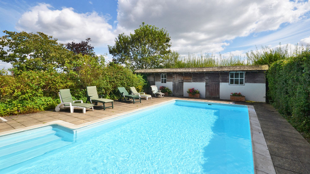10 Of The Best Uk Holiday Cottages With Swimming Pools