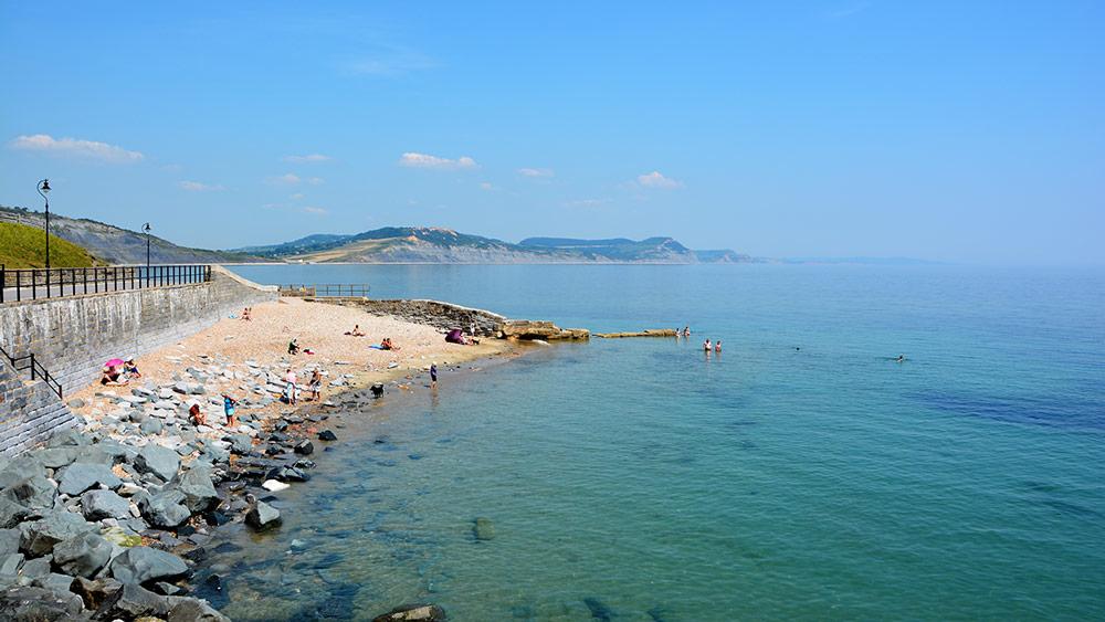 church-cliff-beach-lyme-regis