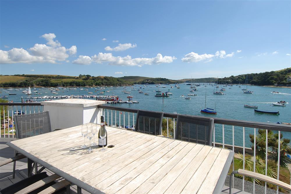 Quarterdeck The Salcombe Salcombe Toad Hall Cottages
